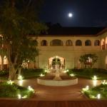 sanctum-inle-resort-corridor-4