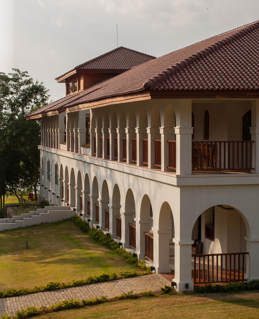 sanctum-inle-resort-gadern-2