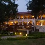 sanctum-inle-resort-gadern