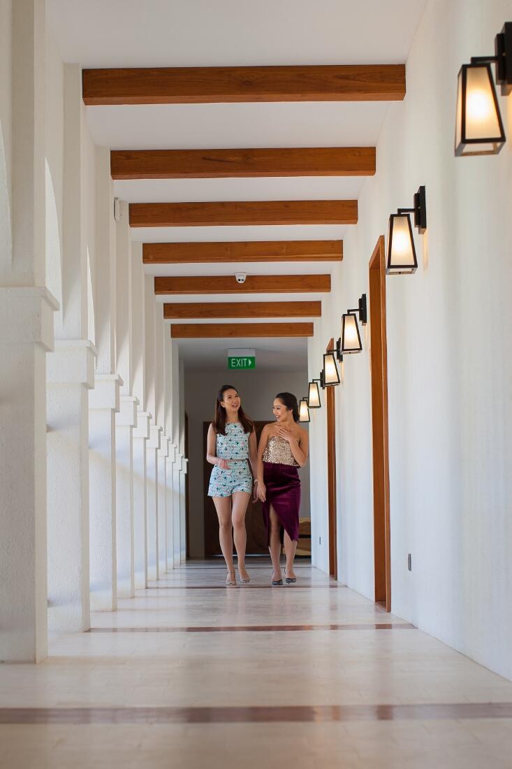 sanctum-inle-resort-lounge